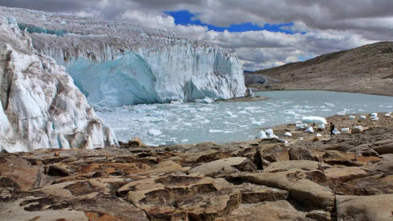 Endangered glacier: After studying it for 14 years, a Peruvian glacier may soon reach the point of no return