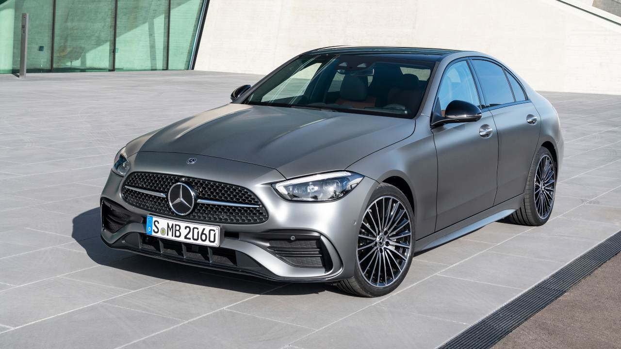 All-new Mercedes-Benz C-class makes world premiere, follows in the S-class footsteps