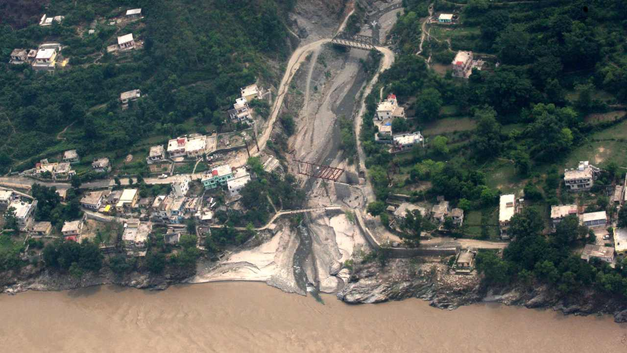 An aerial view of flood-ravaged Rudraprayag in Uttarakhand, in the aftermath of the devastating deluge in June 2013. Image: PIB