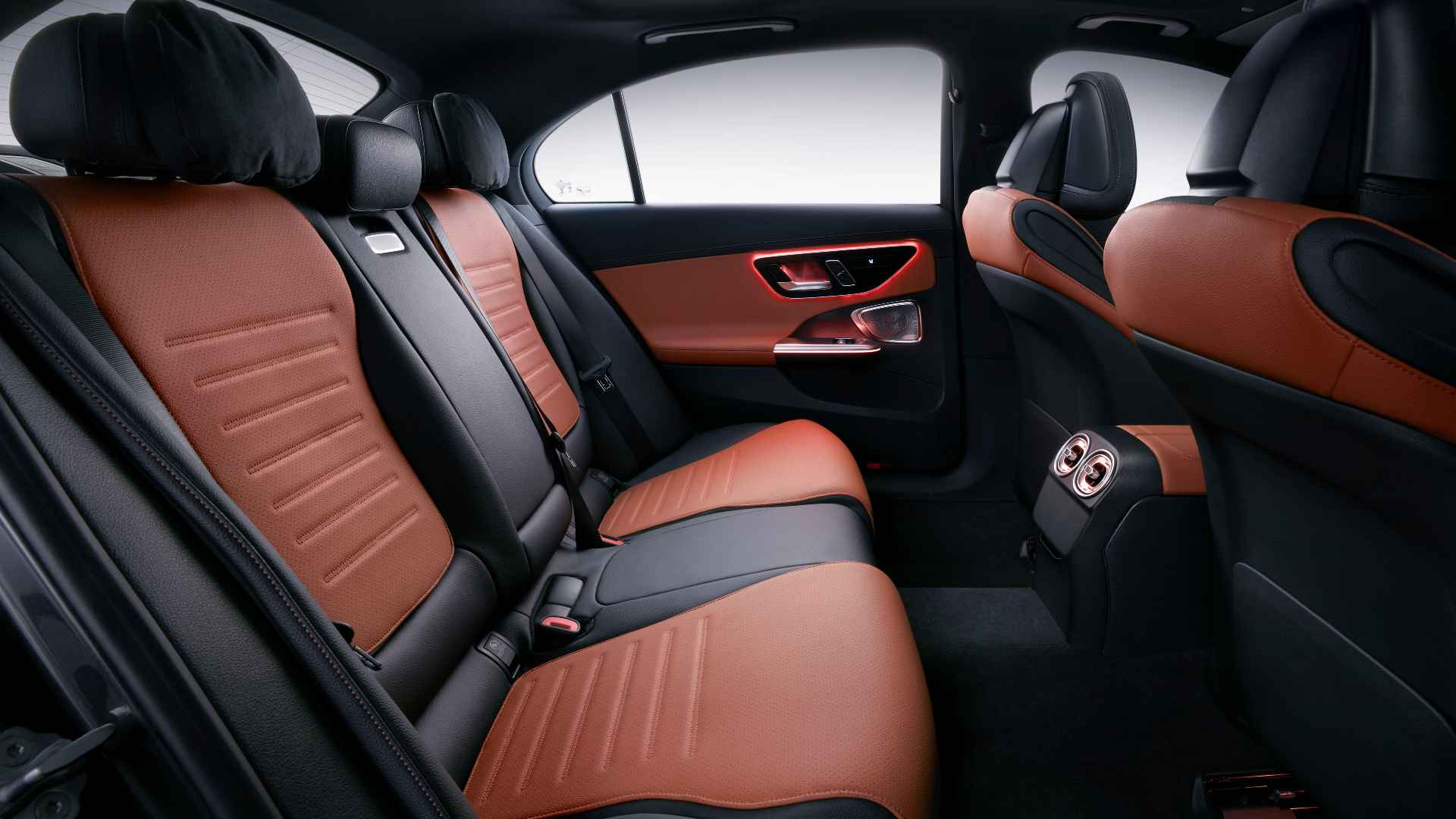 89 mm increase in wheelbase frees up more room for rear seat passengers. Image: Mercedes-Benz