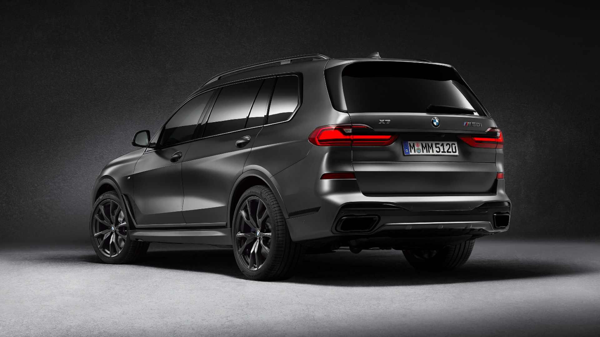 With 530 hp on tap, the BMW X7 Dark Shadow will do 0-100 kph in a claimed 5.4 seconds. Image: BMW