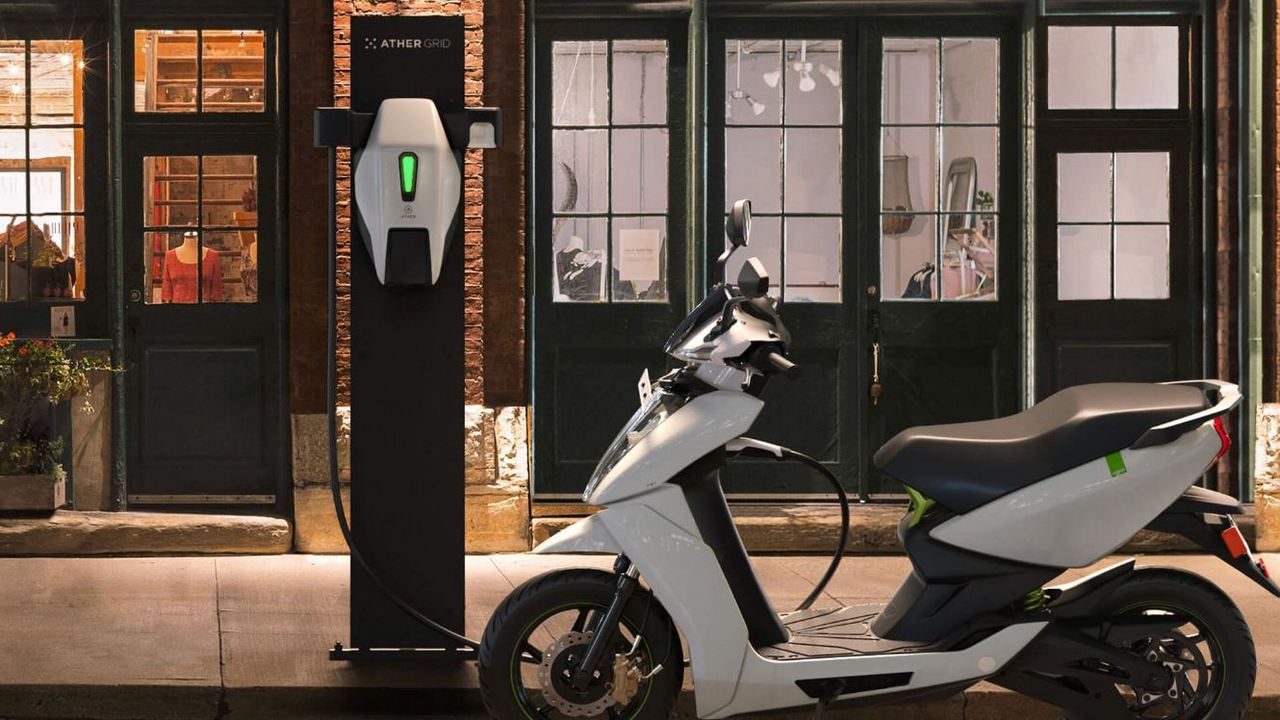 Ather Energy has announced a price drop of Rs 14,500 for the Ather 450X. Image: Ather Energy