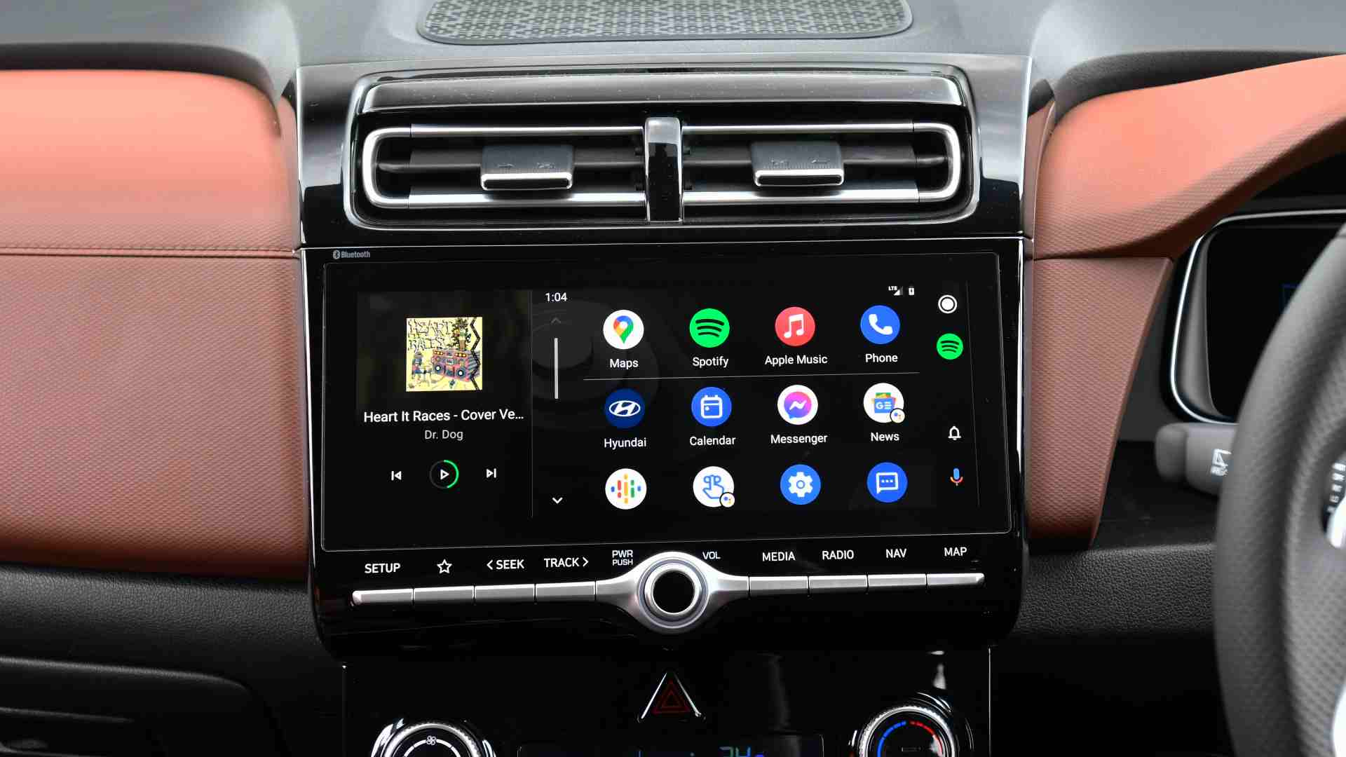 10.25-inch touchscreen is fluid and responsive, but icon layout a bit cluttered. Image: Hyundai