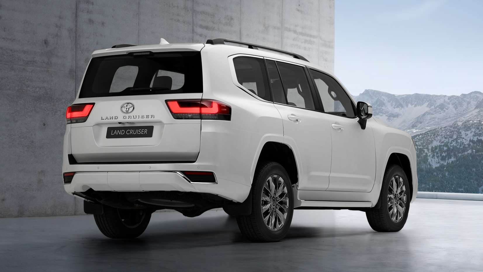 Toyota has given the Land Cruiser LC 300 twin-turbo V6 petrol and diesel engine options. Image: Toyota
