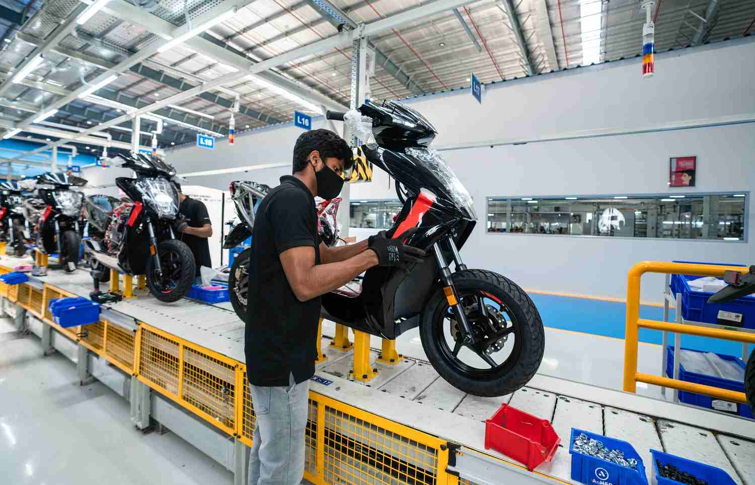 Currently equipped to churn out 1.1 lakh units annually, Ather's Hosur plant will be scaled up to produce half a million scooters every year. Image: Ather Energy