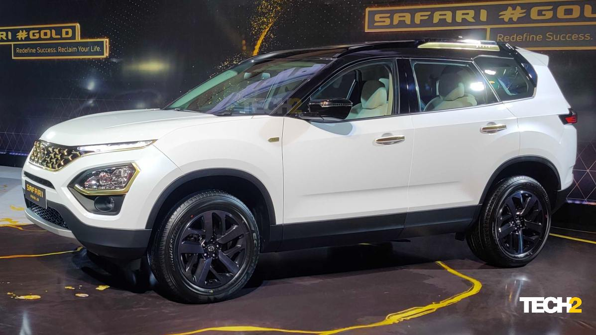 The White Gold version pairs Frost White paint with a black roof. Image: Tech2/Amaan Ahmed
